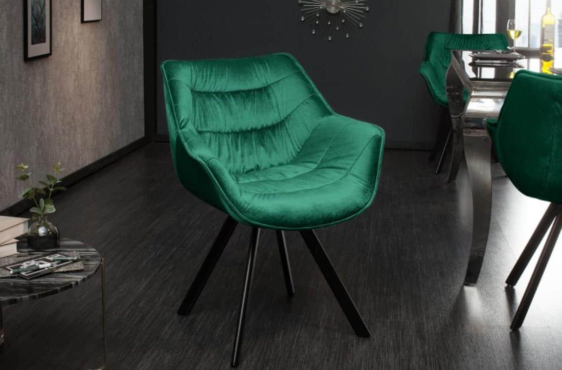 Jedálenské stoličky v smaragdovo zelenej farbe vyniknú hlavne v tmavých priestoroch. Zdroj: iKuchyne.sk