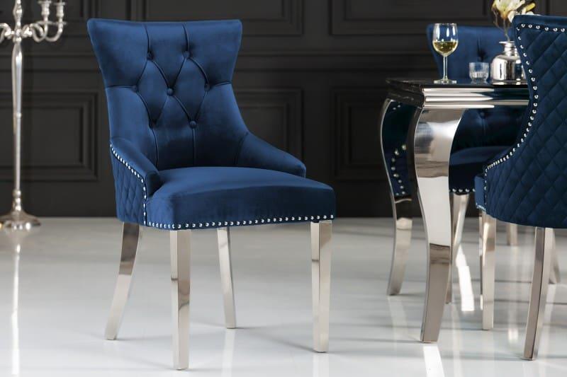 Do malej kuchyne rozhodne patria užšie jedálenské stoličky. Zdroj: iKuchyne.sk