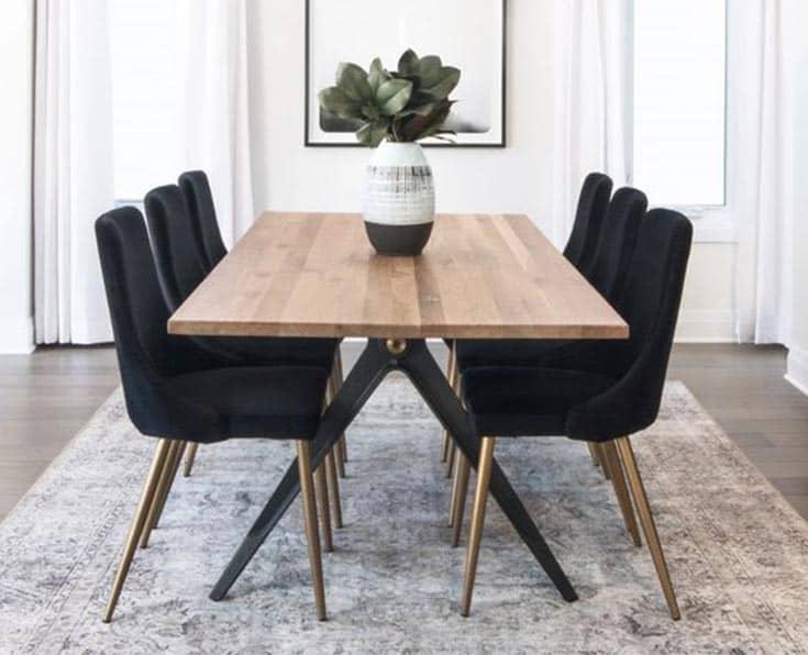 Poradíme vám, ako vybrať správny jedálenský stôl do vašej kuchyne. Zdroj: Pinterest.com