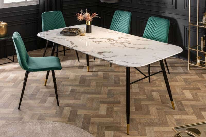 Sklenený nábytok môže byť ozdobou aj vo Vašej jedálni z jedálenským stolom Paris z nášho e-shopu. Zdroj: iKuchyne.sk