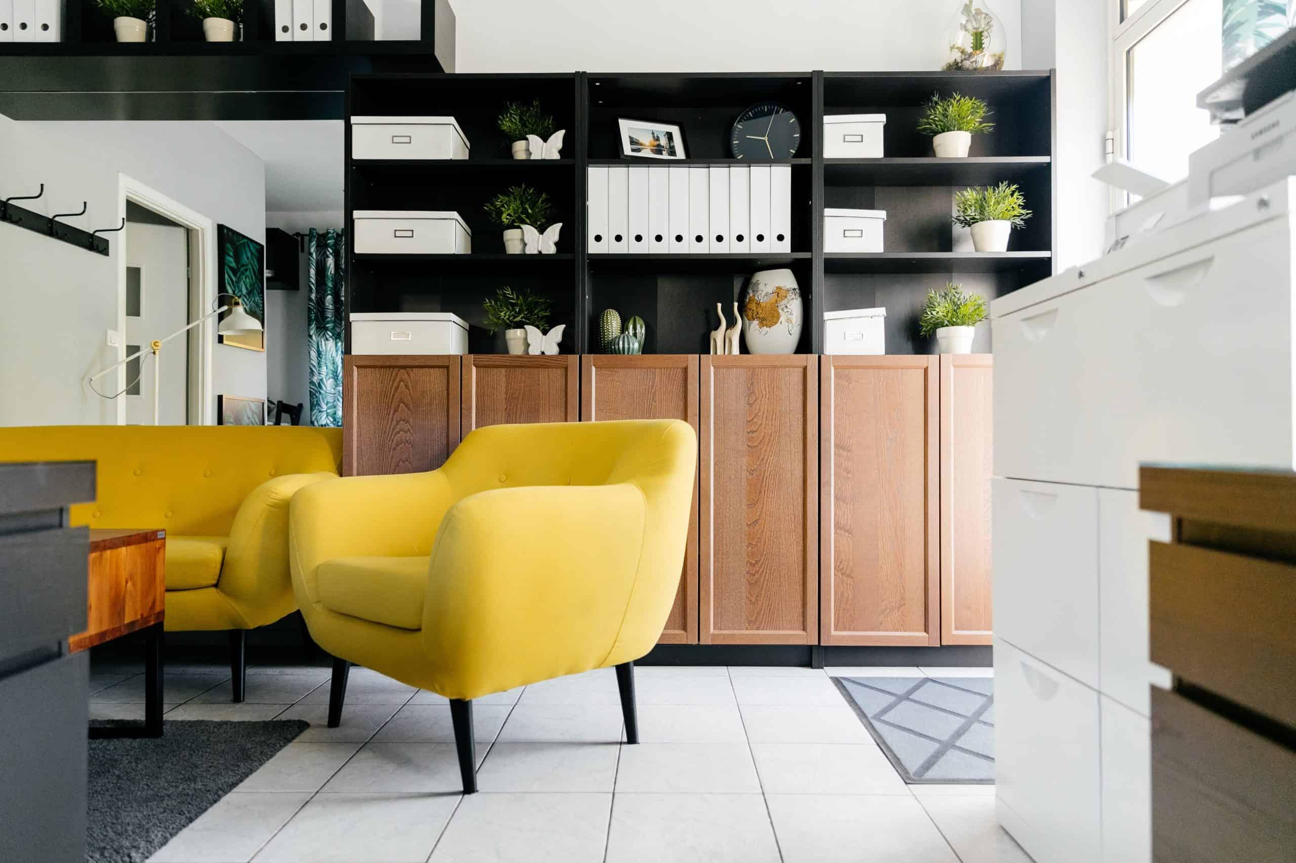 Žltá farba oživí váš interiér. Zdroj: Pexels.com
