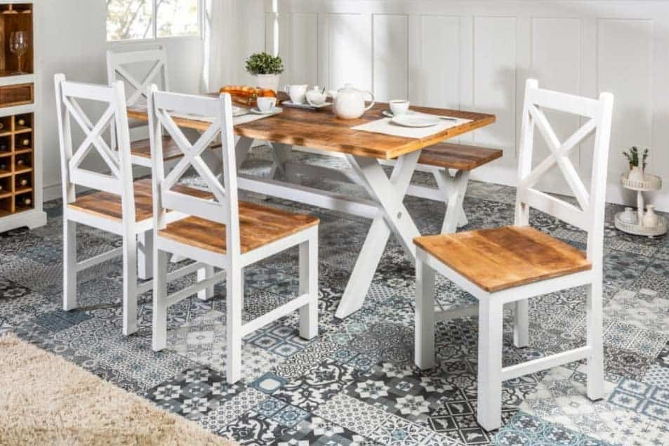 S týmito stoličkami zo série Long Island bude vaša jedáleň výnimočná. Zdroj: iKuchyne.sk