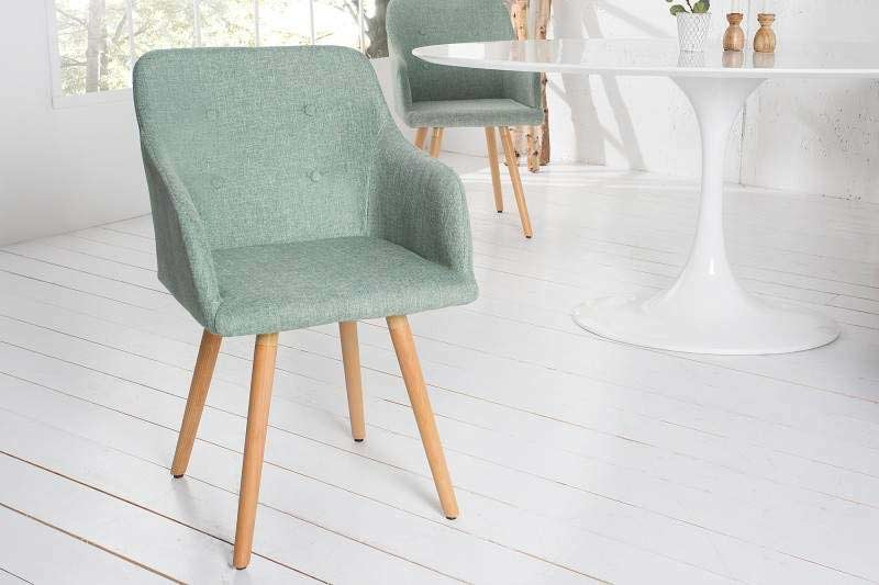 Nič nerozjasní polárnu noc tak ako svetlé jedálenské stoličky, napr. ako táto v limetkovej farbe. Zdroj: iKuchyne.sk