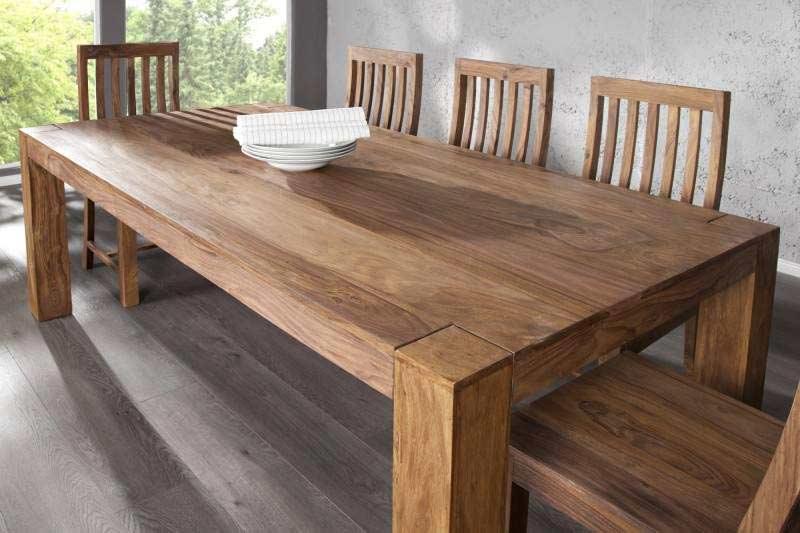 Drevený jedálenský stôl z dreva Sheesham môže byť aj vo vašej jedálni. Zdroj: iKuchyne.sk