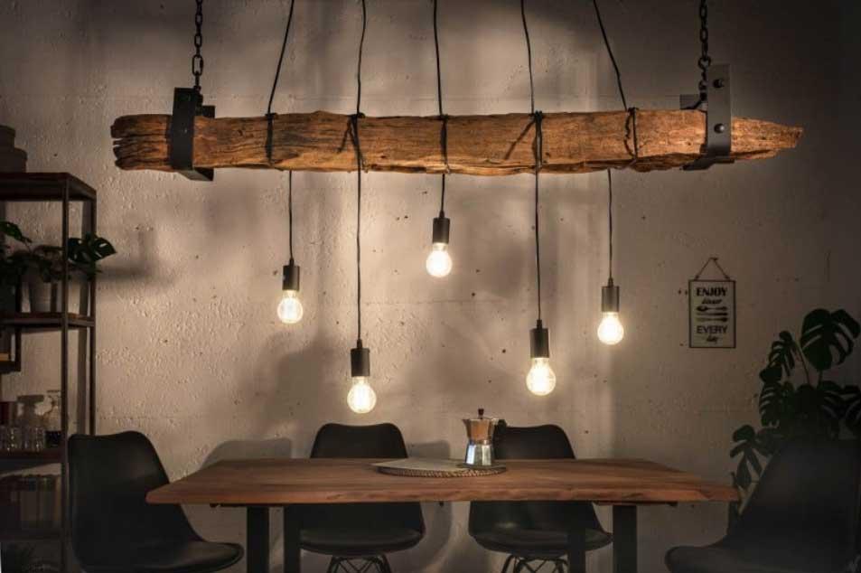 Čím väčší jedálenský stôl, tým väčšie svietidlo. Zdroj: iKuchyne.sk