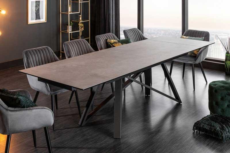 Zmerajte si veľkosť kuchyne, aby sa tam vošiel aj takýto moderný jedálenský stôl. Zdroj: iKuchyne.sk