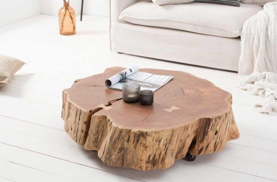 Konferenčný stolík z prírodného agátu – vyrobený z jedného kusa dreva. Zdroj: iKuchyne.sk