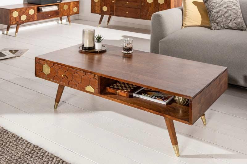 Tento drevený konferenčný stolík s nádychom retra ocení každý milovník rokov minulých. Zdroj: iKuchyne.sk