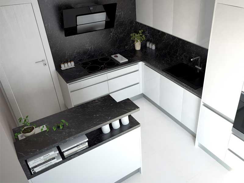 Mramor čierny v spojení s bielou kuchyňou vyzerá dokonalo. Zdroj: iKuchyne.sk