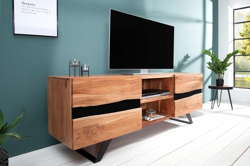 Stolík Amazonas môžete kombinovať aj s iným nábytkom z rovnomennej série. Zdroj? iKcuhyne.sk