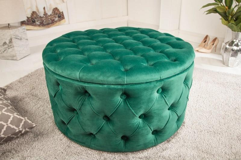 Zamatový luxus ako výnimočný doplnok vo vašej obývačke. Zdroj: iKuchyne.sk