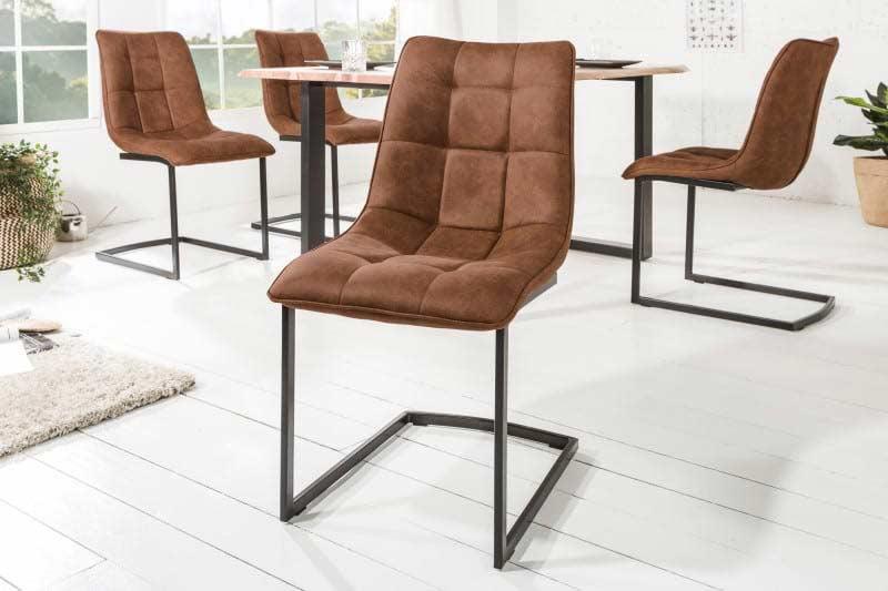 Vkusnými stoličkami nikdy nič nepokazíte, práve naopak! Zdroj: iKuchyne.sk