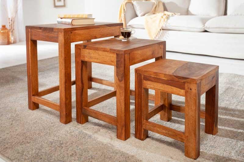 Potešte sa kúpou trojice drevených stolíkov v rôznych veľkostiach. Zdroj: iKuchyne.sk