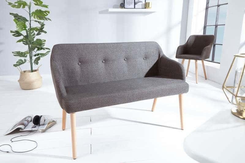 Lavica Scandi v minimalistickom štýle, vhodná ako náhrada sedačky vo vašej obývacej izbe. Zdroj: iKuchyne.sk