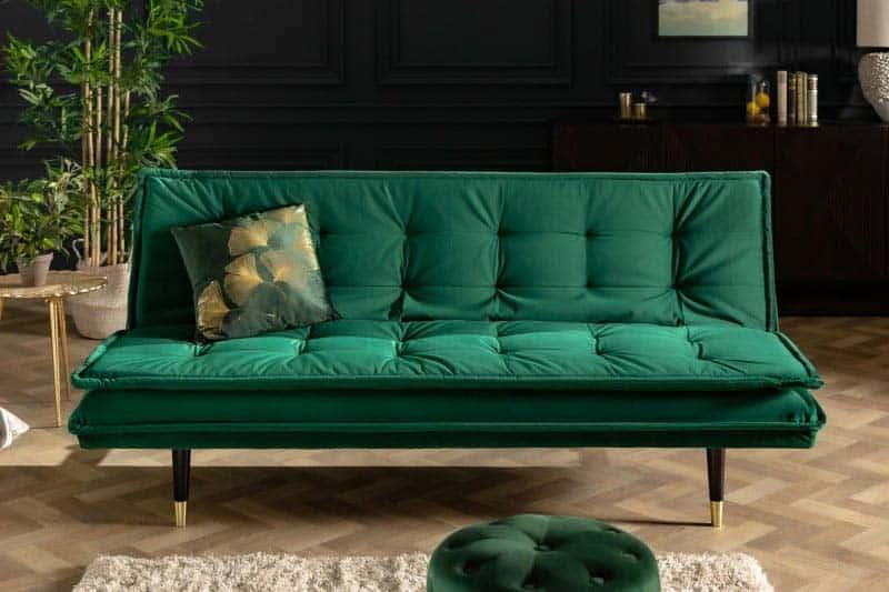 Zelená vás po náročnom dni upokojí a určite zapadne aj ako sedenie pri okne! Zdroj: iKuchyne.sk