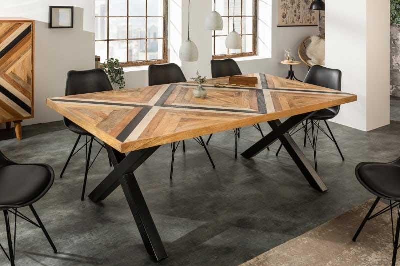 Tento jedálenský stôl zaujme vďaka doske v pútavom X-dizajne už na prvý pohľad. Zdroj: iKuchyne.sk
