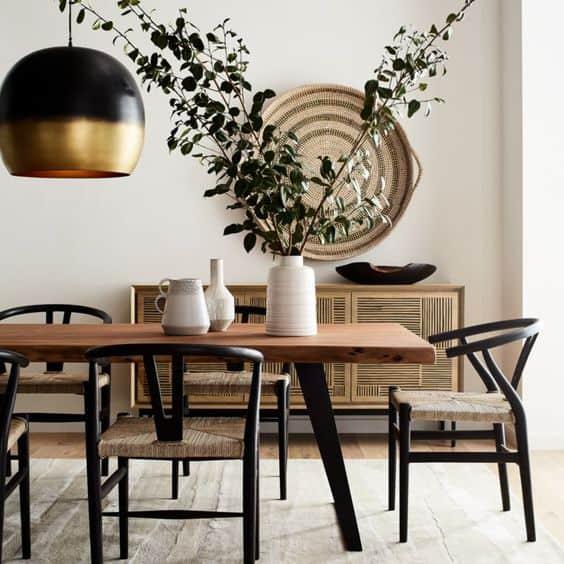 Chcete si zariadiť vašu jedáleň v modernom štýle? Tieto jedálenské stoly sa do nej hodia Zdroj: Pinterest.com