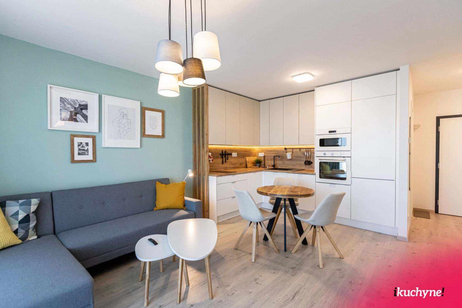 Kuchyňa s obývačkou v byte v modernom škandinávskom nádychu, zdroj: iKuchyne.sk