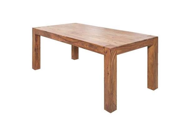 Jedálenské stoly z tmavého dreva