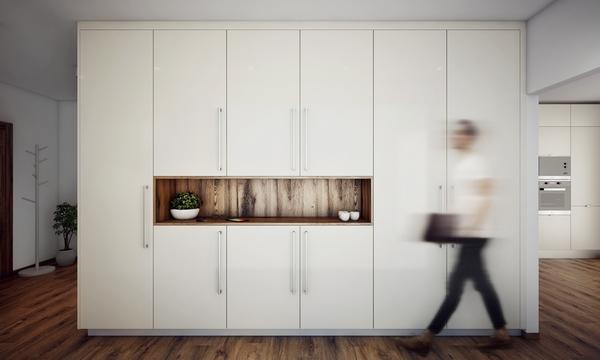 Vstavané skrine s výklenkom na kľúče a dekorácie