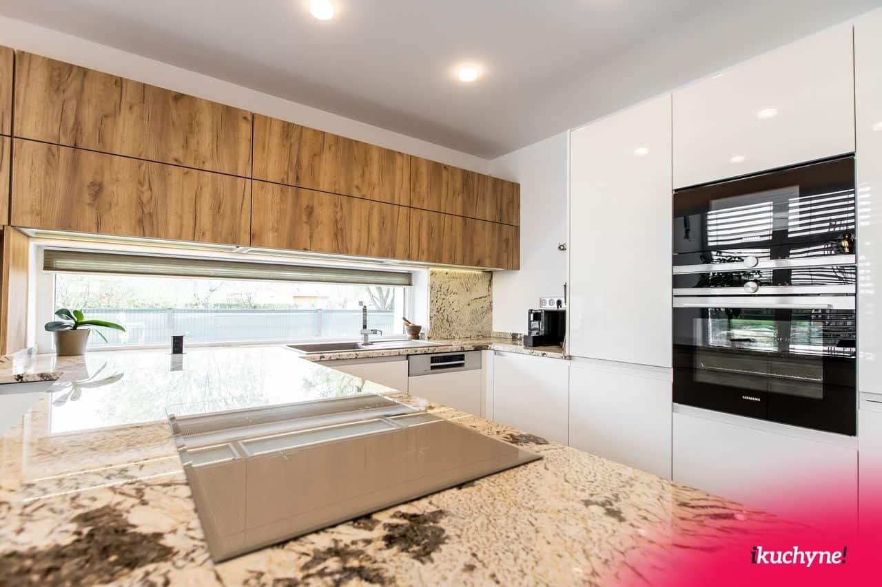 Mandlova leskla kuchyna kamenna doska